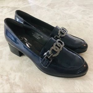 NWOT A2 BY AEROSOL navy chain loafers size 6.5